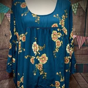 Tops - Pretty Bell Sleeve Lace Back Top